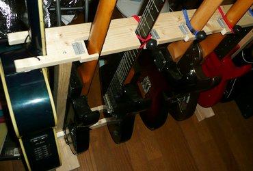 ギタースタンド2014 姿.JPG