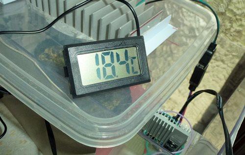 植物育成用LED テスト中 04.JPG